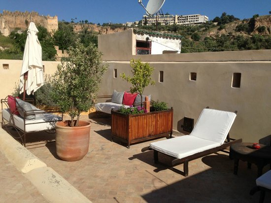 Dar Roumana : Part of the beautiful rooftop terrace