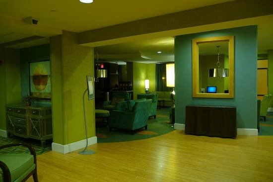 SpringHill Suites Memphis Downtown: lobby