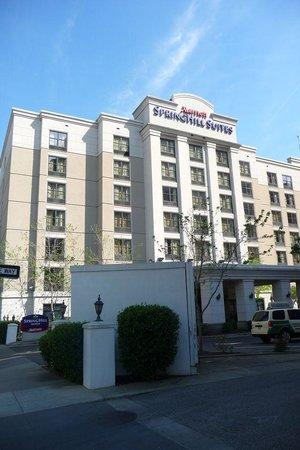 SpringHill Suites Memphis Downtown: building