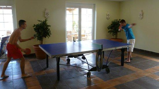 Dream Gran Castillo Resort: One of two table tennis tables.