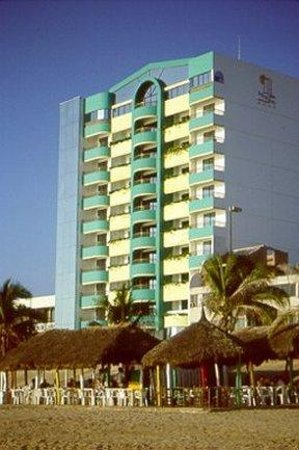 Hotel Plaza Marina Mazatlan: Hotel Exterior