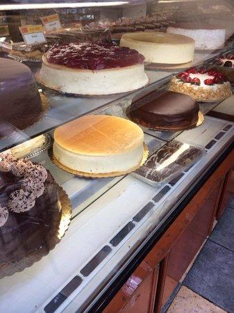 Daniela Trattoria: Yummy treats
