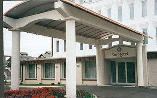 Sun Hotel: Exterior View