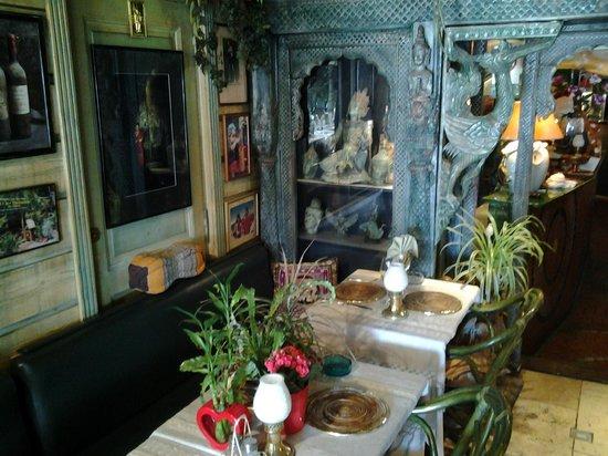 belle decoration   Picture of Chez la Thailandaise, Saint Tropez