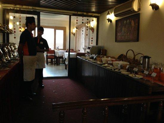 Hotel Holy Himalaya: Breakfast buffet