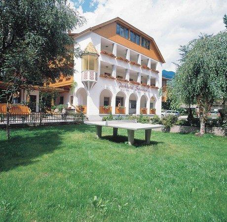 Schachen Parkhotel: Exterior_View_1