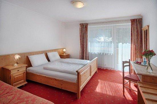 Schachen Parkhotel: Guest_Room_1