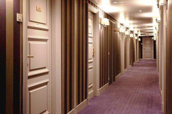 Holiday Inn Nice: Hallway