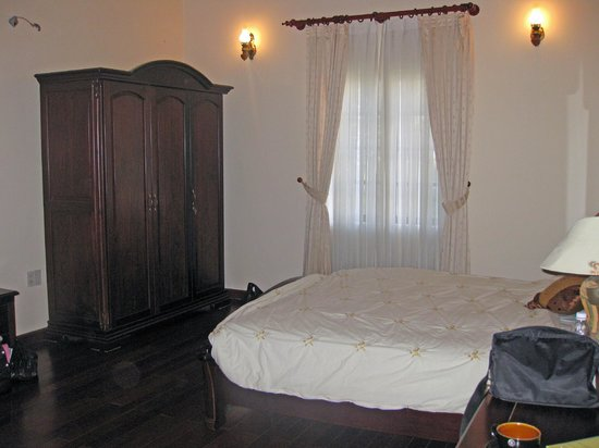 ZEN Cafe & Villa: Large room
