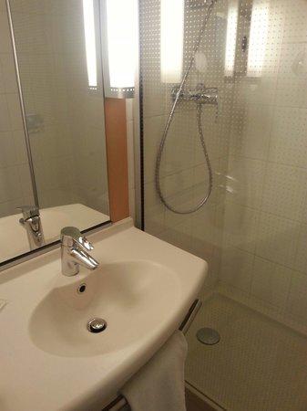 Ibis Brussels Expo-Atomium : Salle de bain