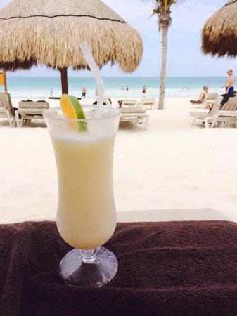 Secrets Maroma Beach Riviera Cancun: Piña & a great beach!