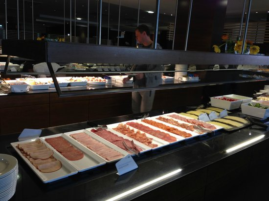 NH Wien Airport: meat selection at breakfast