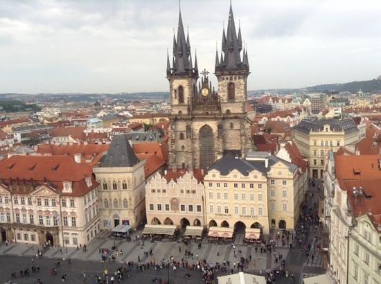 Ibis Praha Old Town: Nuestra Señora de Tyn desde la torre del reloj