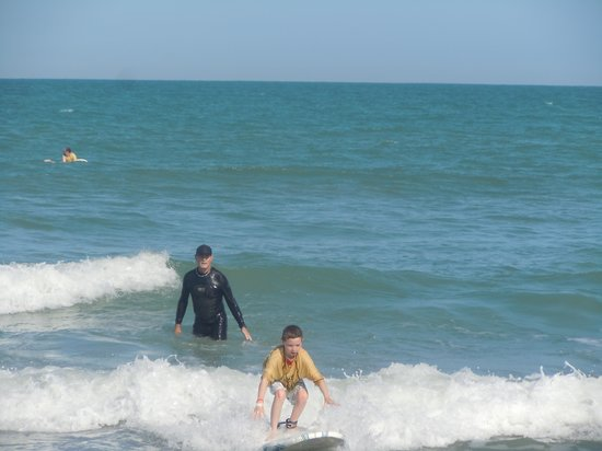 Nex Generation Surfing School: Henry Surfs