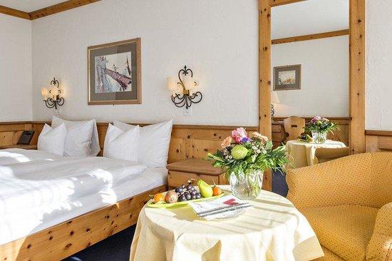 Alpenhotel Quadratscha: Guest room