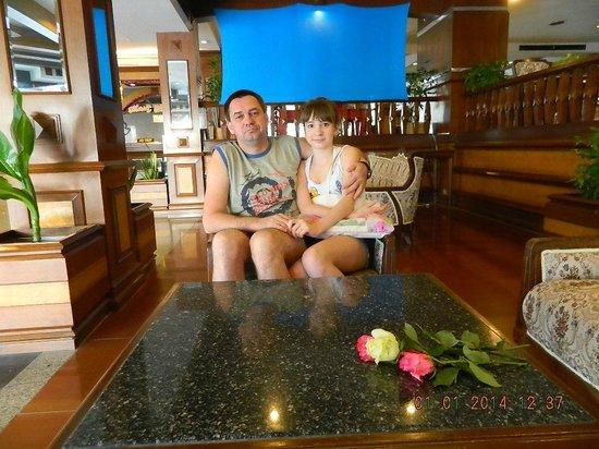 Caesar Palace Hotel: Холл отеля