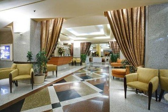Windsor Excelsior Hotel: Lobby