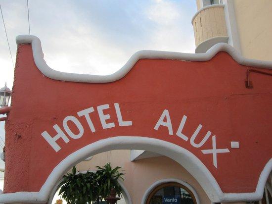 Hotel Alux Cancun: Bien ubicado