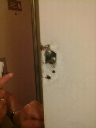 Florida Beach Hotels: safety lock on door missing