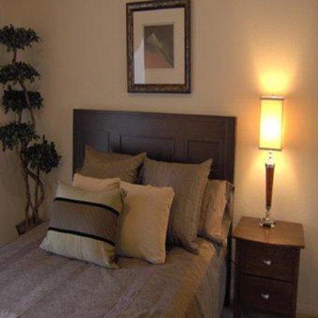 Brooks Landing Apartments: Master Bedroom