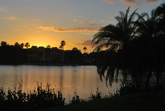 Disney's Coronado Springs Resort: Beautiful sunset over the lake in the middle of the resort property