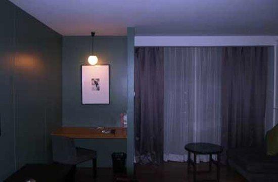 Page 10 Hotel : 客室