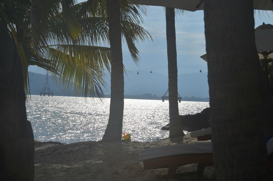 Vinpearl Luxury Nha Trang : Private beach