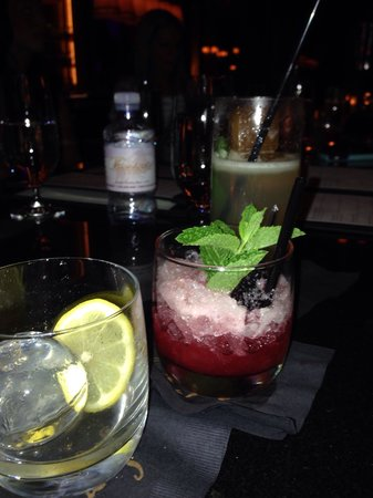 """Sage : Working our way down the drink menu. Highly recommend the drink """"what she's having"""". #vegas"""