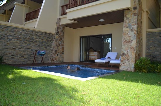 Vinpearl Luxury Nha Trang : Villa Pool