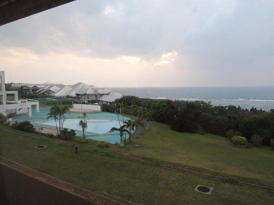 Centurion Hotel Okinawa Churaumi: 窓からの景色