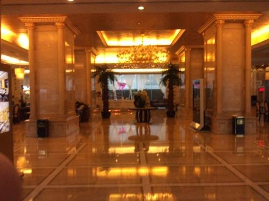 Riverview Hotel: Riverview lobby