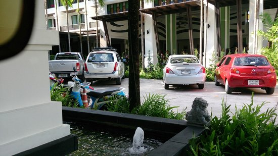 Centara Anda Dhevi Resort and Spa: front side of hotel's restaurent