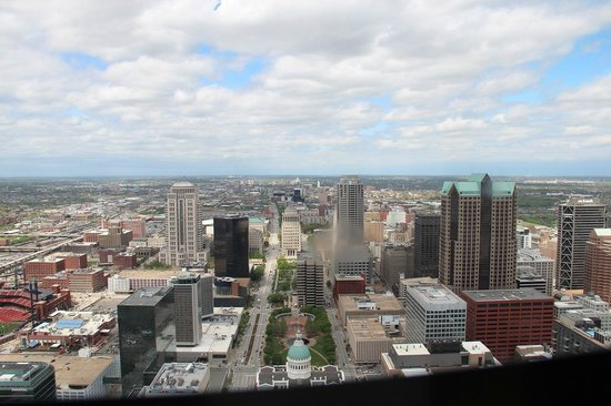 Gateway Arch: View from arch (take tissue to clean window where people smudge it, I didn't realise & have smud