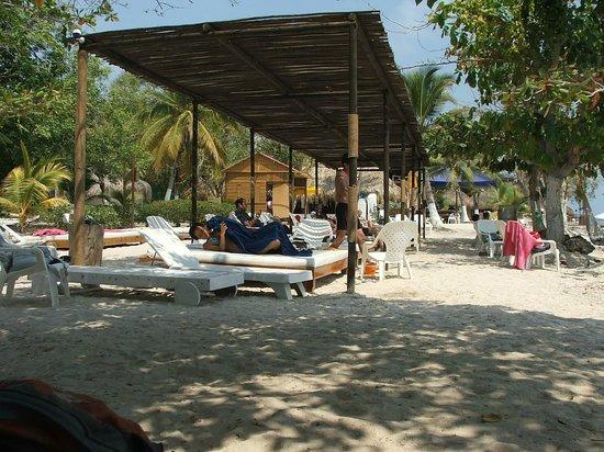 Hotel Isla del Encanto: Ambiente de esprequissadeiras