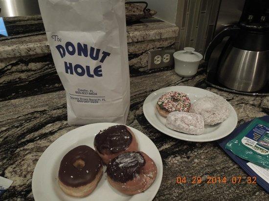 Donut Hole: donuts