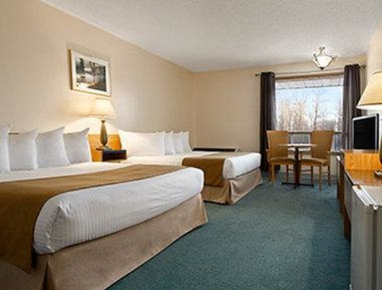Travelodge Slave Lake: Guest Room