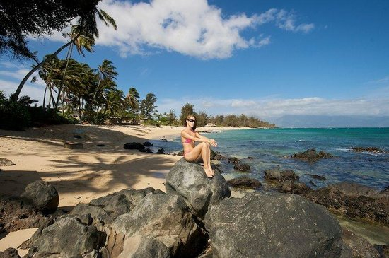 Paia Inn Hotel: Relax On Our Beautiful Beach