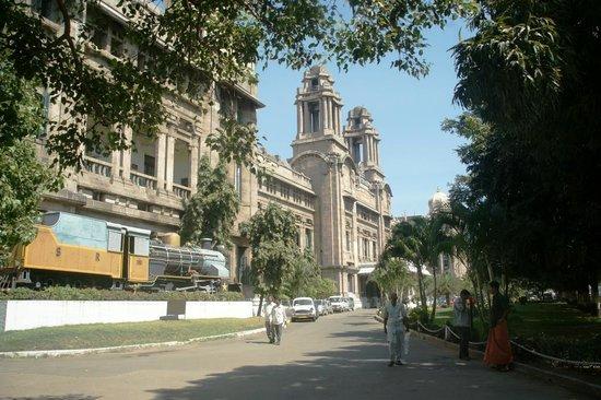 Deccan Plaza: Chennai Railway Administration Building