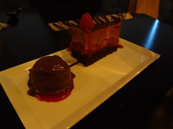 Avvino : Raspberry Mousse Cake
