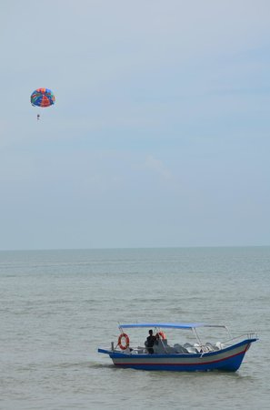 PARKROYAL Penang Resort, Malaysia: Beach
