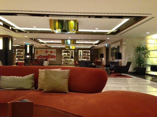 Renaissance Istanbul Polat Bosphorus Hotel: lobby - spacious but empty at 9 pm on a weeknight