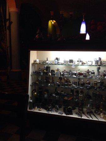 La Claraboya Restaurante: Коллекция зажигалок