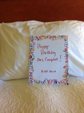 Hampton Inn Wichita Falls Sikes Senter Mall: Birthday Card from Manager and Staff