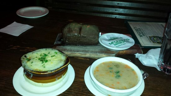 McGuire's Irish Pub & Brewery: Onion Soup, Bean Soup, and Bread.