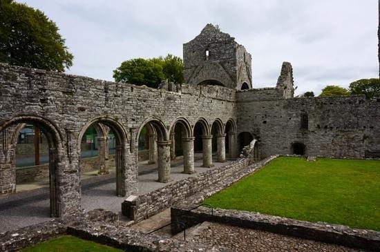 Boyle Abbey : main church area