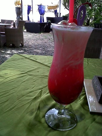 The Beach House Balikpapan: Mocktail Special Beach House