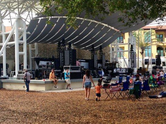 Cambier Park: Scene