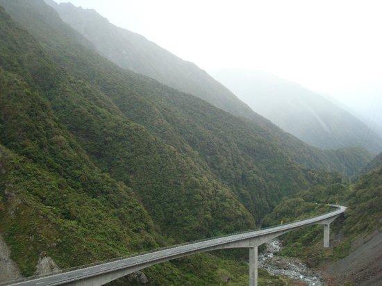 Otira Viaduct Lookout : view