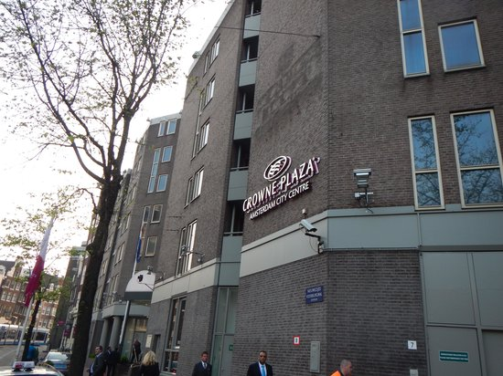 Crowne Plaza Amsterdam City Centre: Снаружи