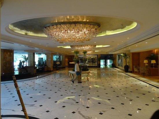 Shangri-La's Eros Hotel : Foyer